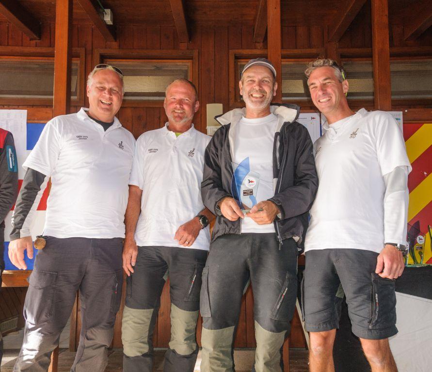 Sieger-Oberseepokal: Lutz Gärtner (2.v.r.) mit seiner siegreichen Crew