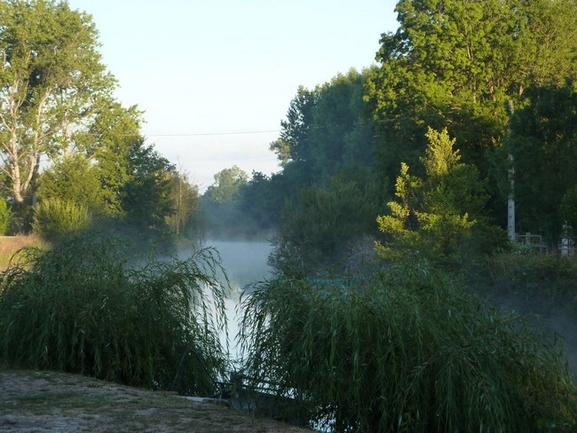 Gîte de pêche au bord de la Sèvre Niortaise dans le Marais Poitevin