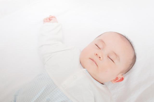 記憶術セミナー講師・メンサ会員・ギネス記録保持者・シンが教える『赤ちゃんのように、すぐにスヤスヤ眠れる方法』。