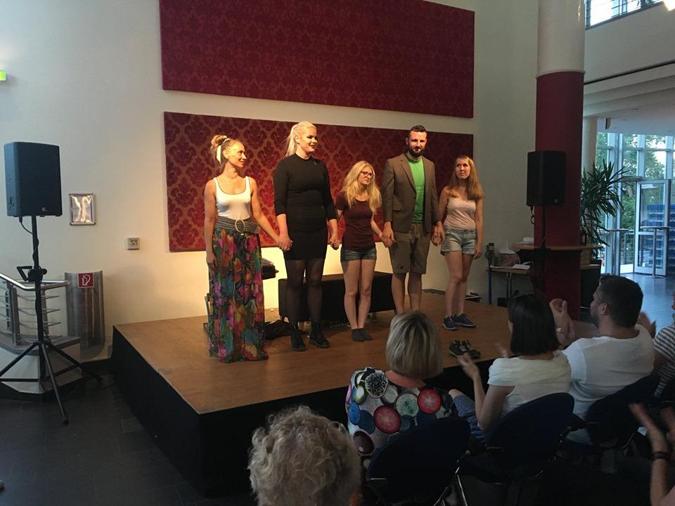 Empore - Paraboltheater Stück Faktotum