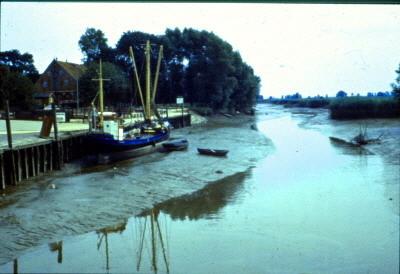 Außensiel Strohausen- Fischkutter des letzten Fischers aus Strohausen, Hans Hashargen aus einer alten Fischerfamilie (Juli 1971)