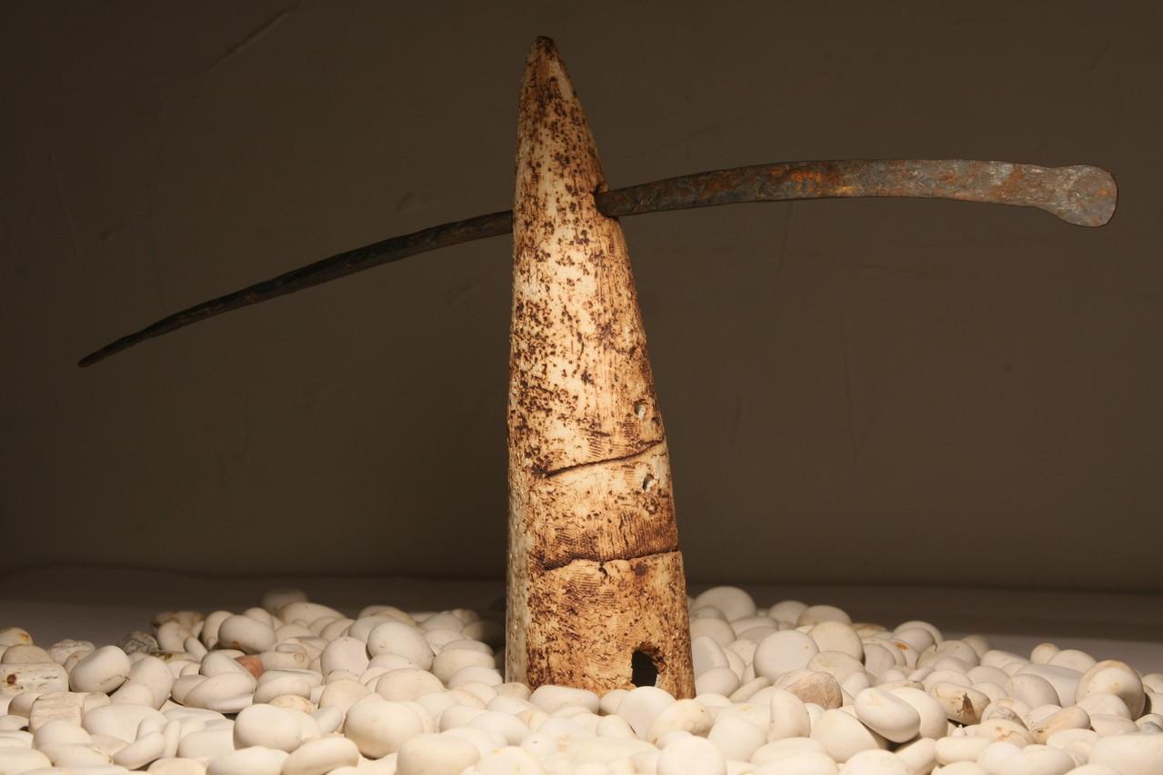 """""""Balance"""", h-40,  ceramics, metal , 2012"""