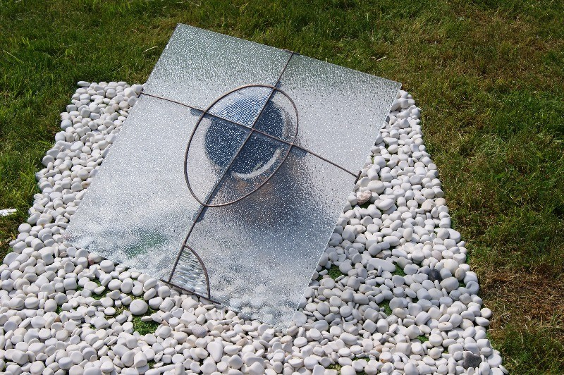 "Fragment ""Skype conference"", 500x400x85 cm, porcelain, glass, metal, 2013"