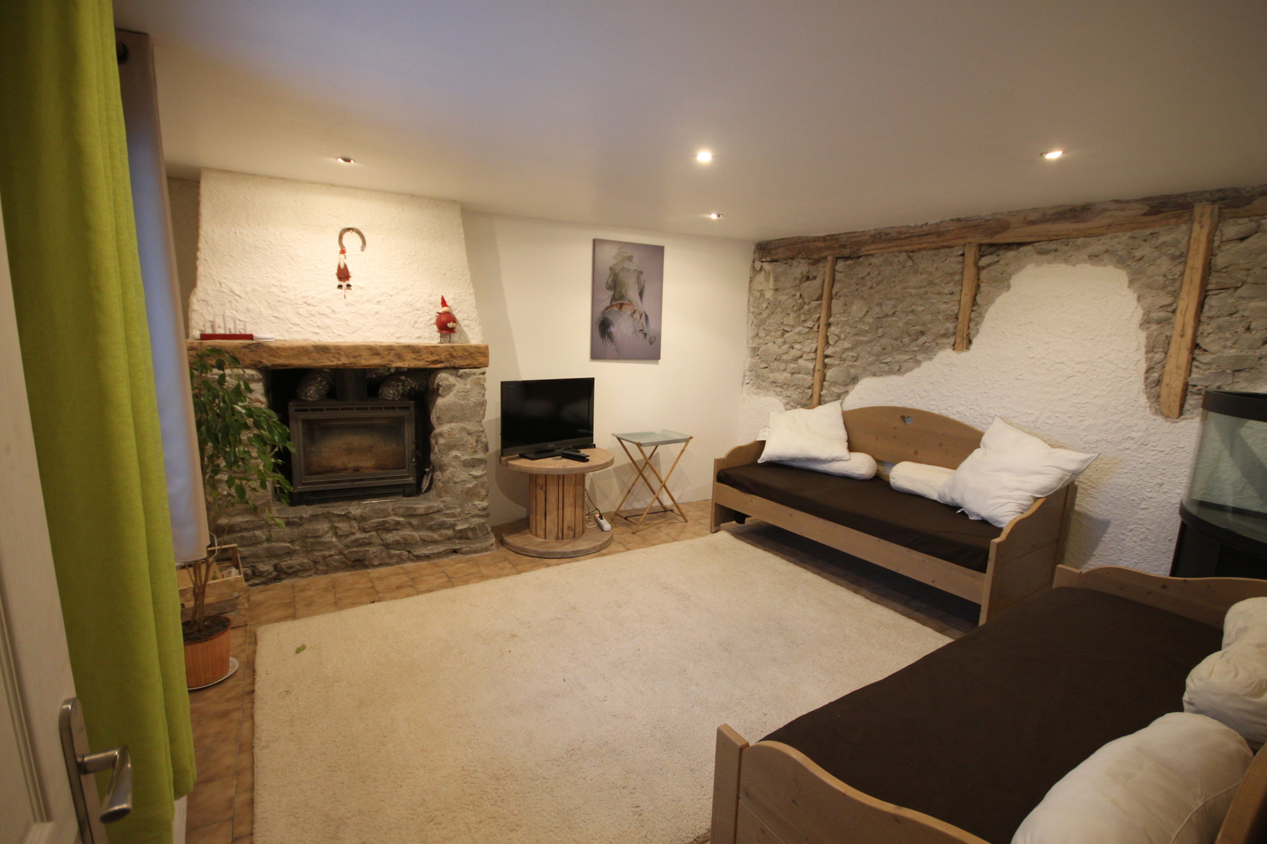 chemine sous escalier vu cuisine sous escalier aussi cuisine sous cuisine sous pente escalier. Black Bedroom Furniture Sets. Home Design Ideas
