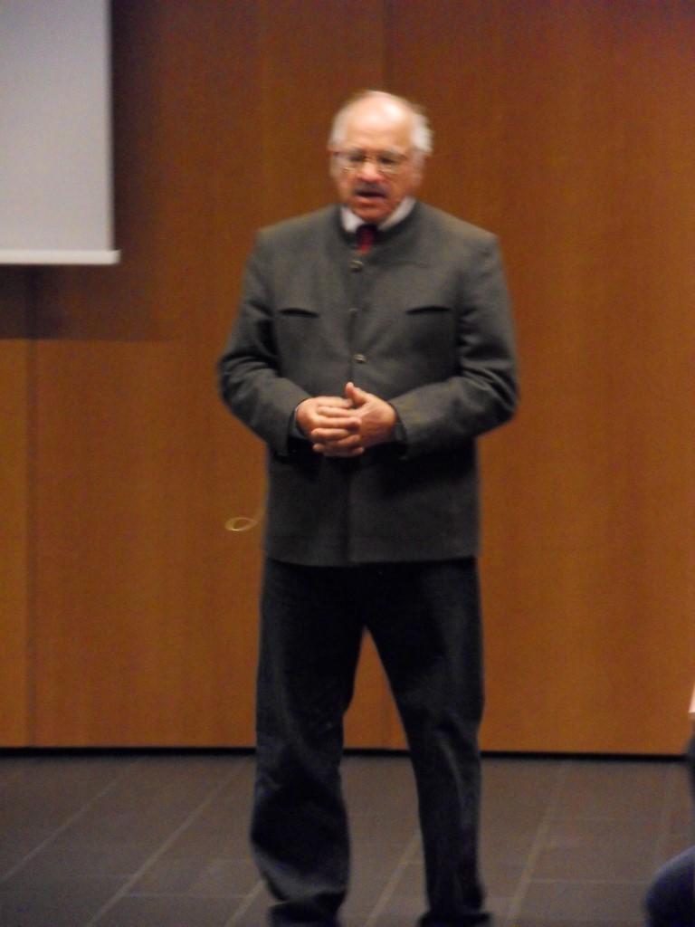 Vortragender Prof. Mag. Georg Niedetzky