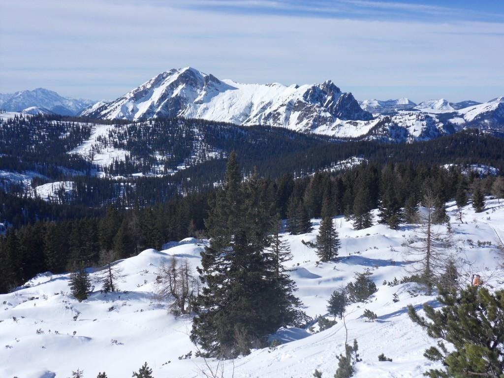 Blick auf das Gamsfeld 2.027 m (höchster Berg in den Salzkammergut Bergen)