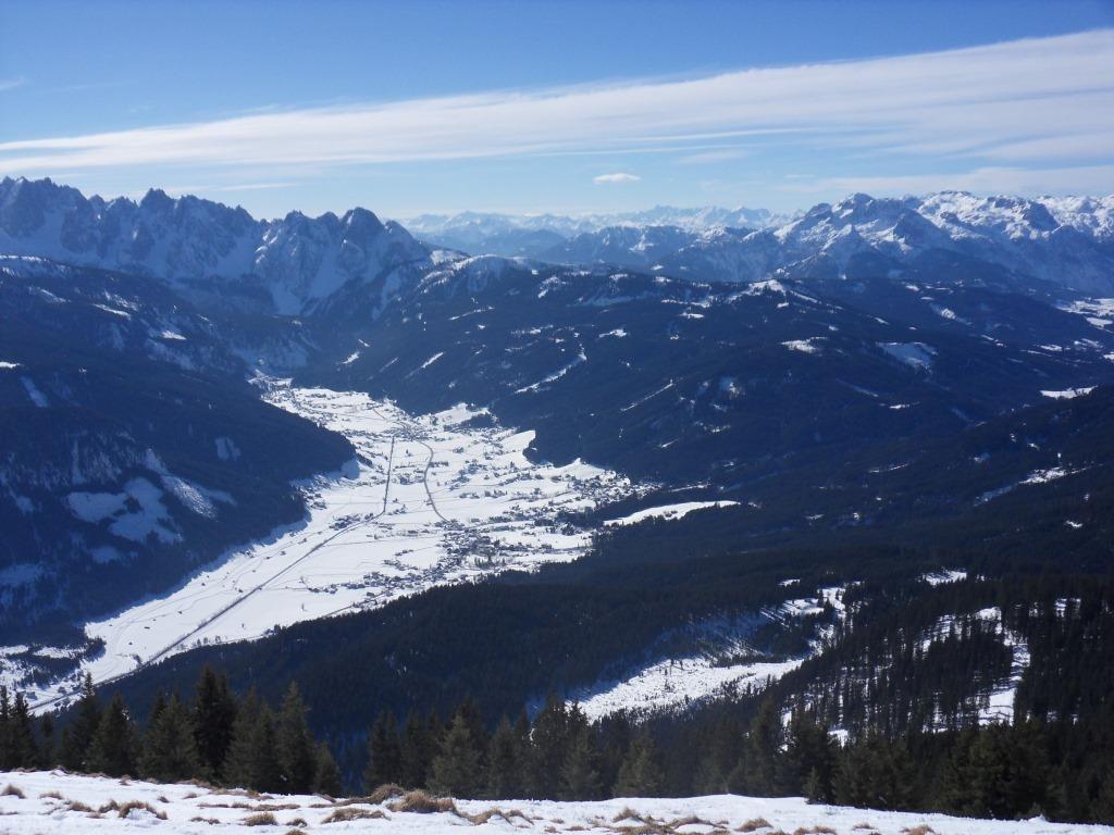 Blick vom Gipfel auf das Gosautal