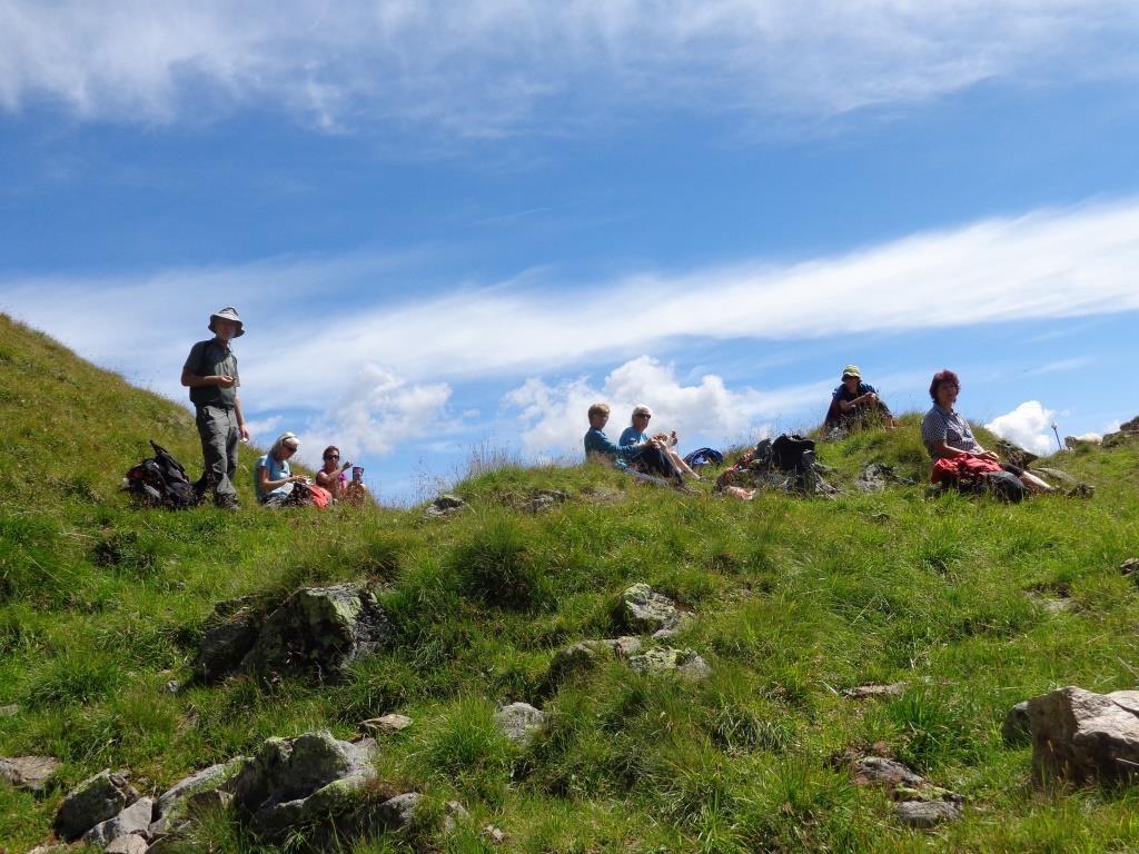 Mittagsrast am Höhenweg Starkenburger - Franz Senn Hütte