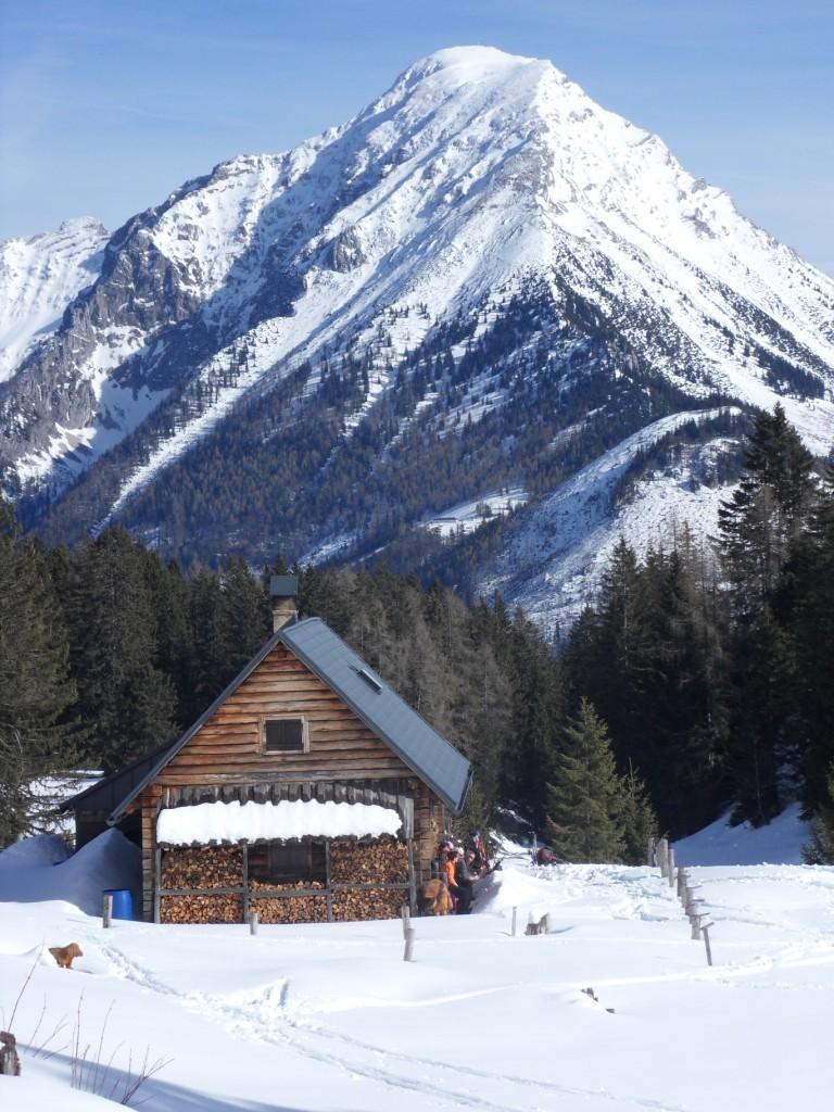 kurze Rast bei der Jagdhütte mit Blick auf Gr.Pyhrgas 2.244 m