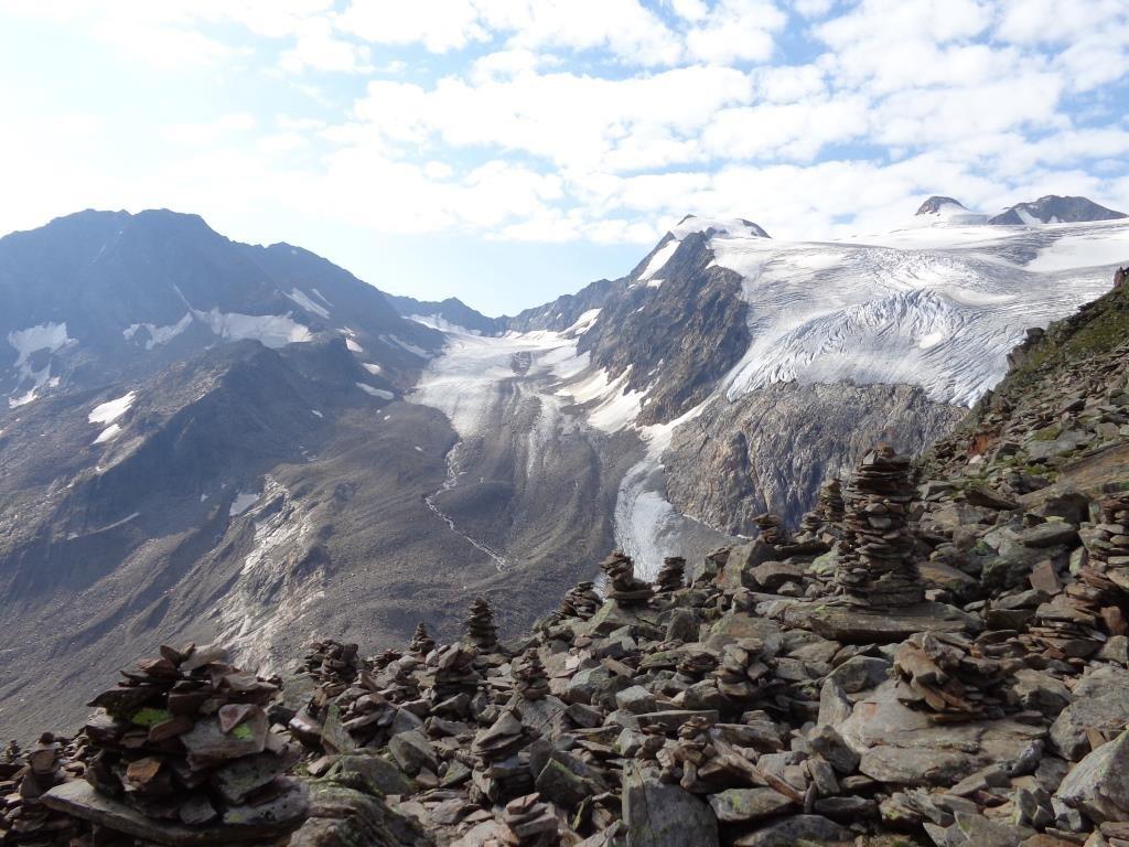 Blick auf Zuckerhütl (3.507 m) und Wilder Pfaff (3.456 m)