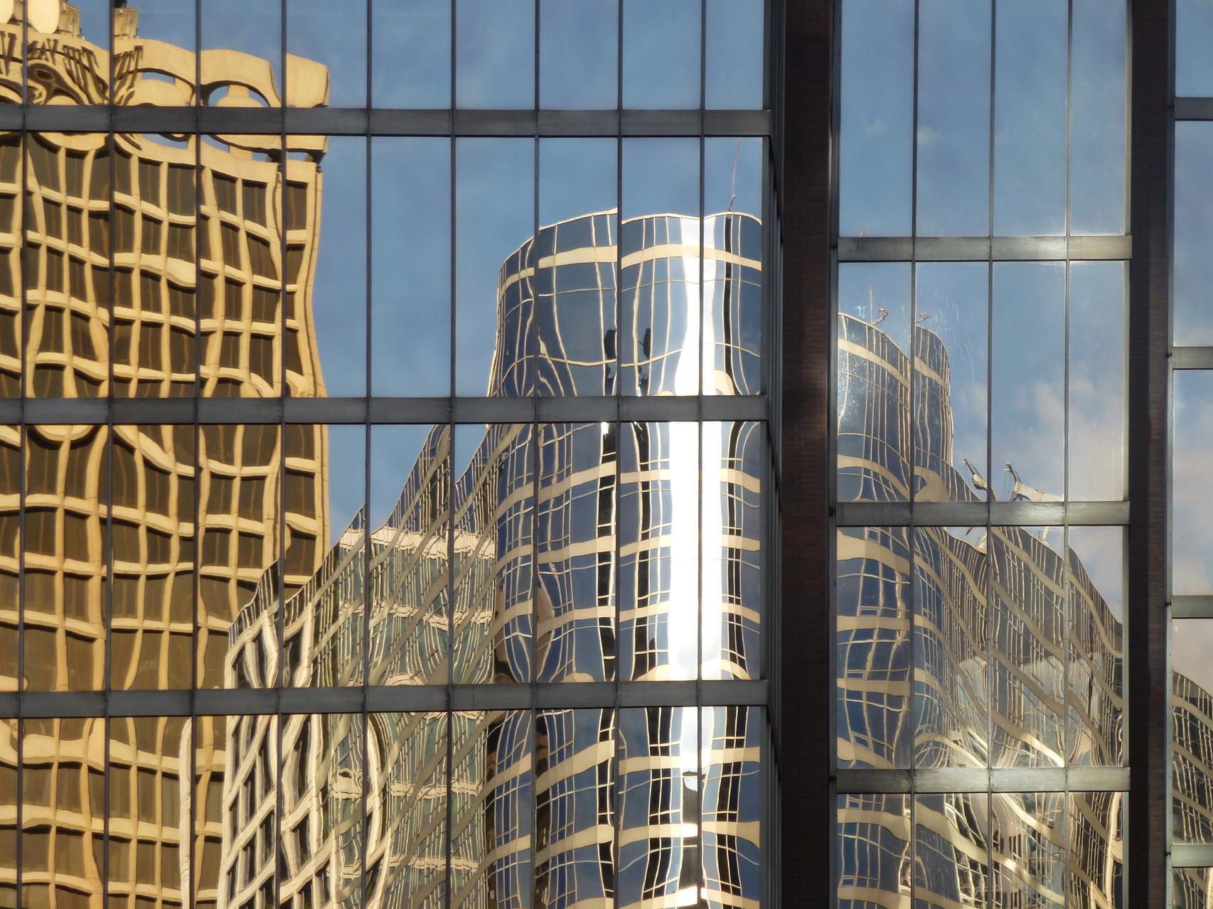 """""""Moderne Architektur i. Spiegel"""" v. Reinhard Biermair  2.) EW., 21 Pkt."""