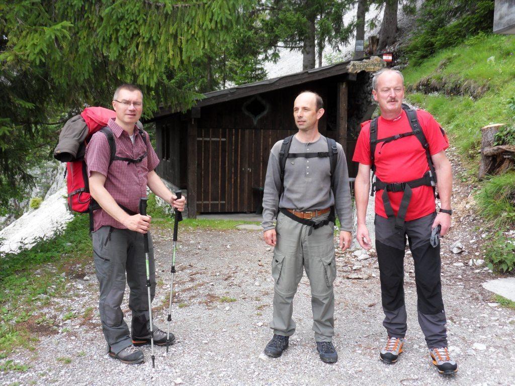 8.7.2011: kurze Pause bei der Seilbahnstation