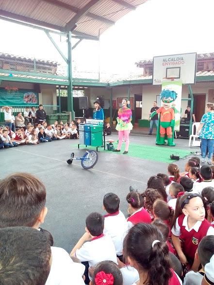 II concurso de reciclaje