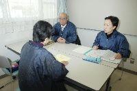 仙台市社会福祉協議会が始めたみなし仮設入居者向けの相談事業。昨年12月の開始以来、利用者はまばらだ(昨年12月2日、仙台市宮城野区で)