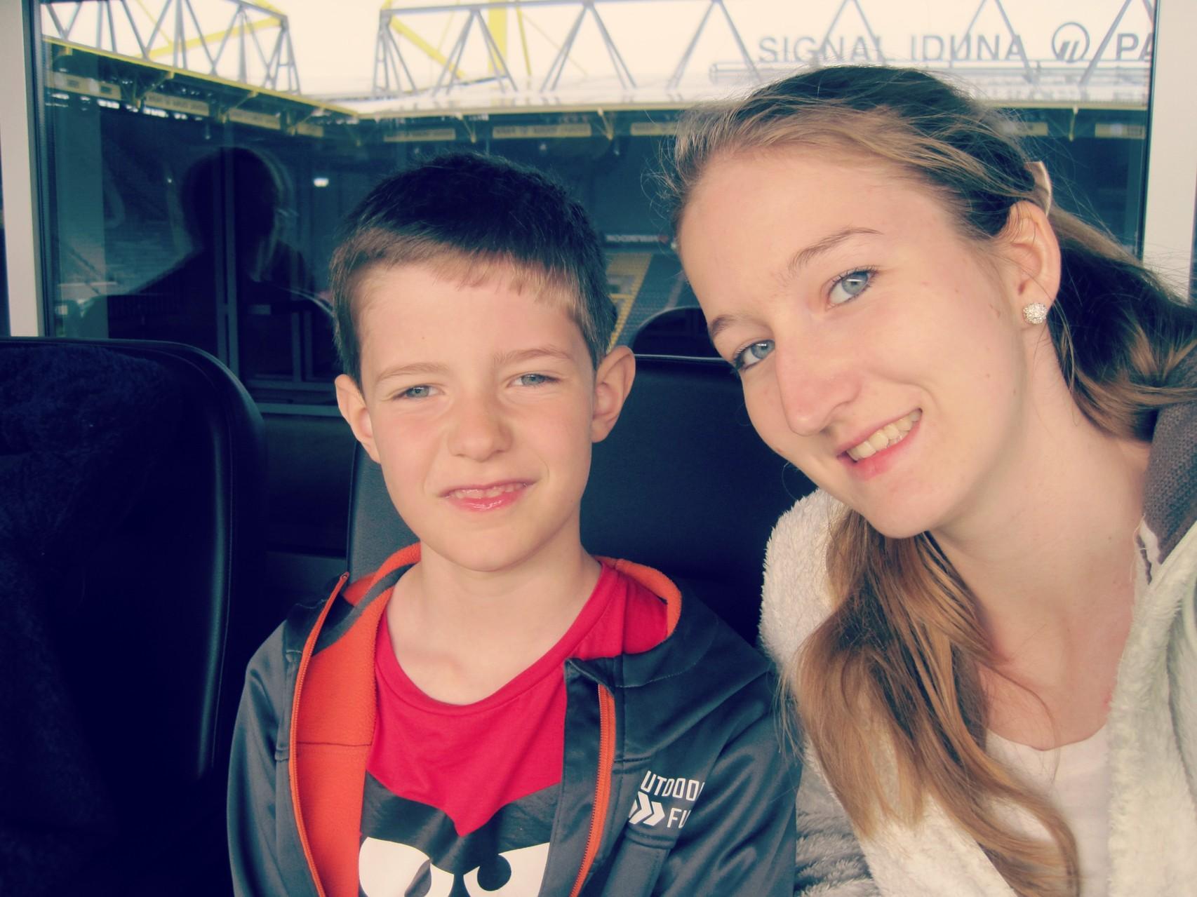 Mein süßer kleiner Bruder im Stadion ♥