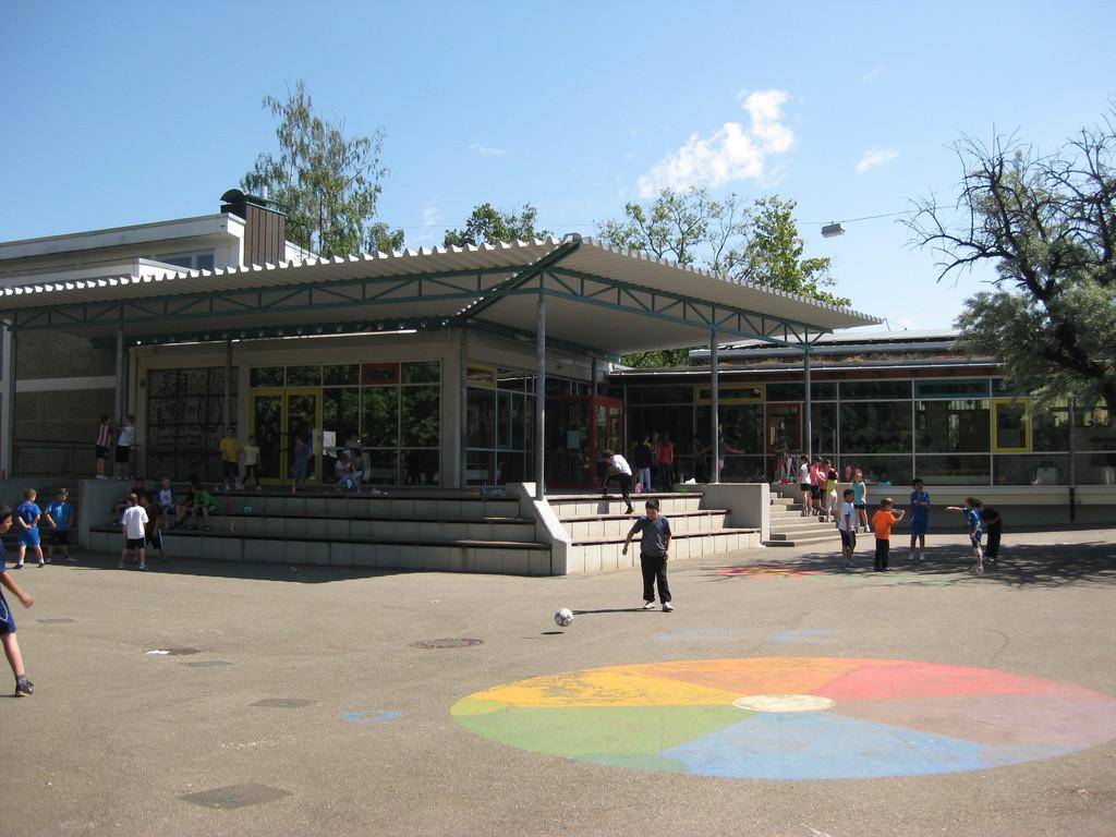 Schulhof der Grundschule Ittlingen