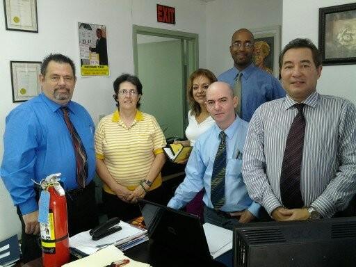 Foto de archivo de 2012 en la Suite 332, con Ojeda a la derecha. Los demás ya no trabajan en Ojeda Corp.