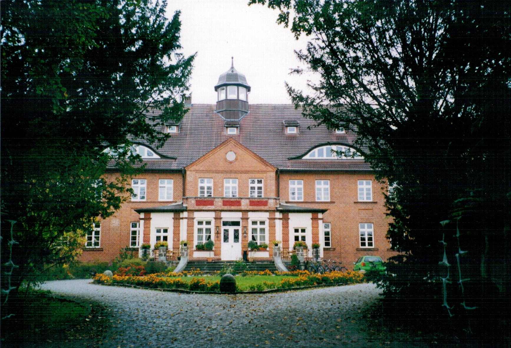 HOTEL SCHLOSS BASTHORST