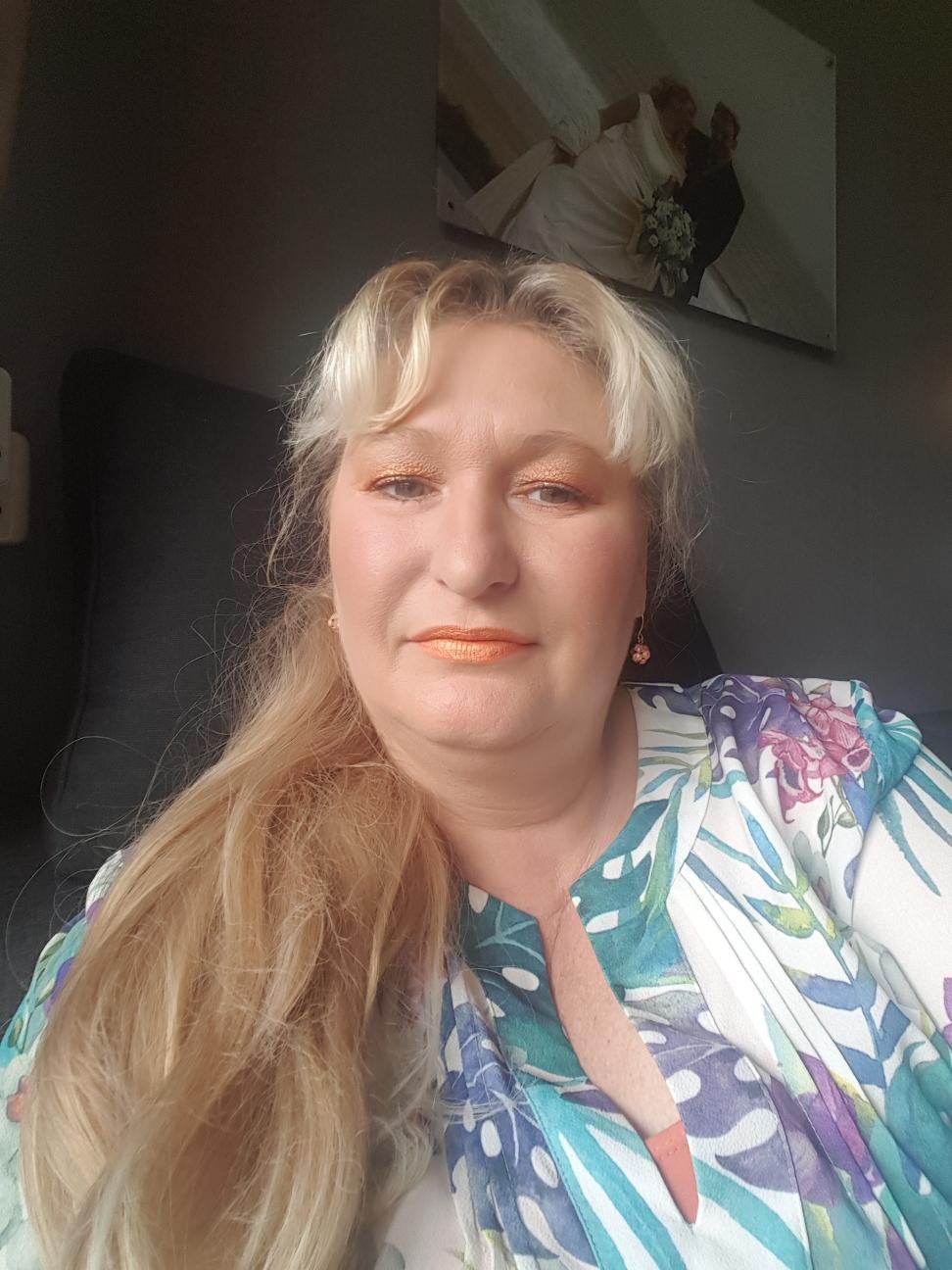 Oranje oogschaduw glans lipstick oranje