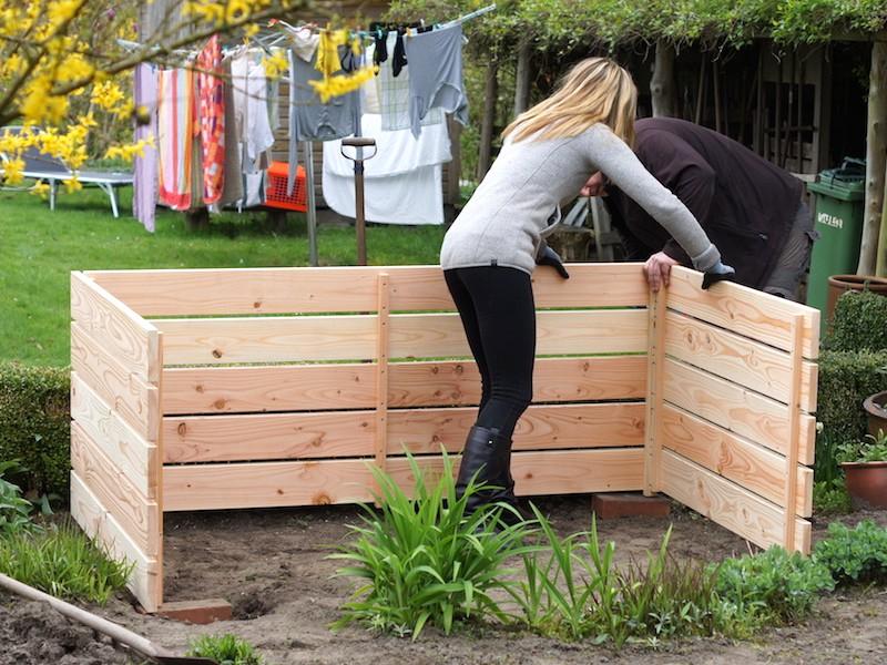 Montage Hochbeet aus Holz - Fertige Wandelemente nach Anleitung verschrauben