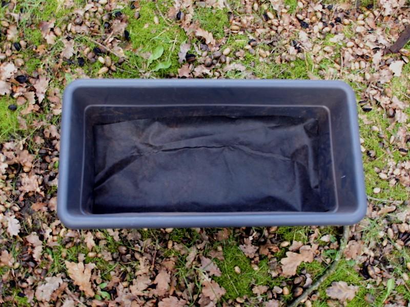 2. Trennvlies / Unkrautflies (wasser- und wurzeldurchlässig)