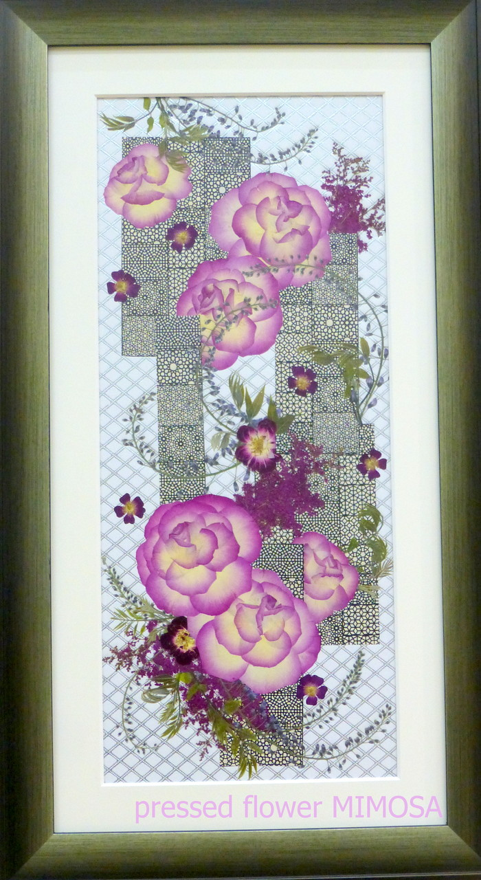 「スタイリッシュ」 花材:バラ・フジ