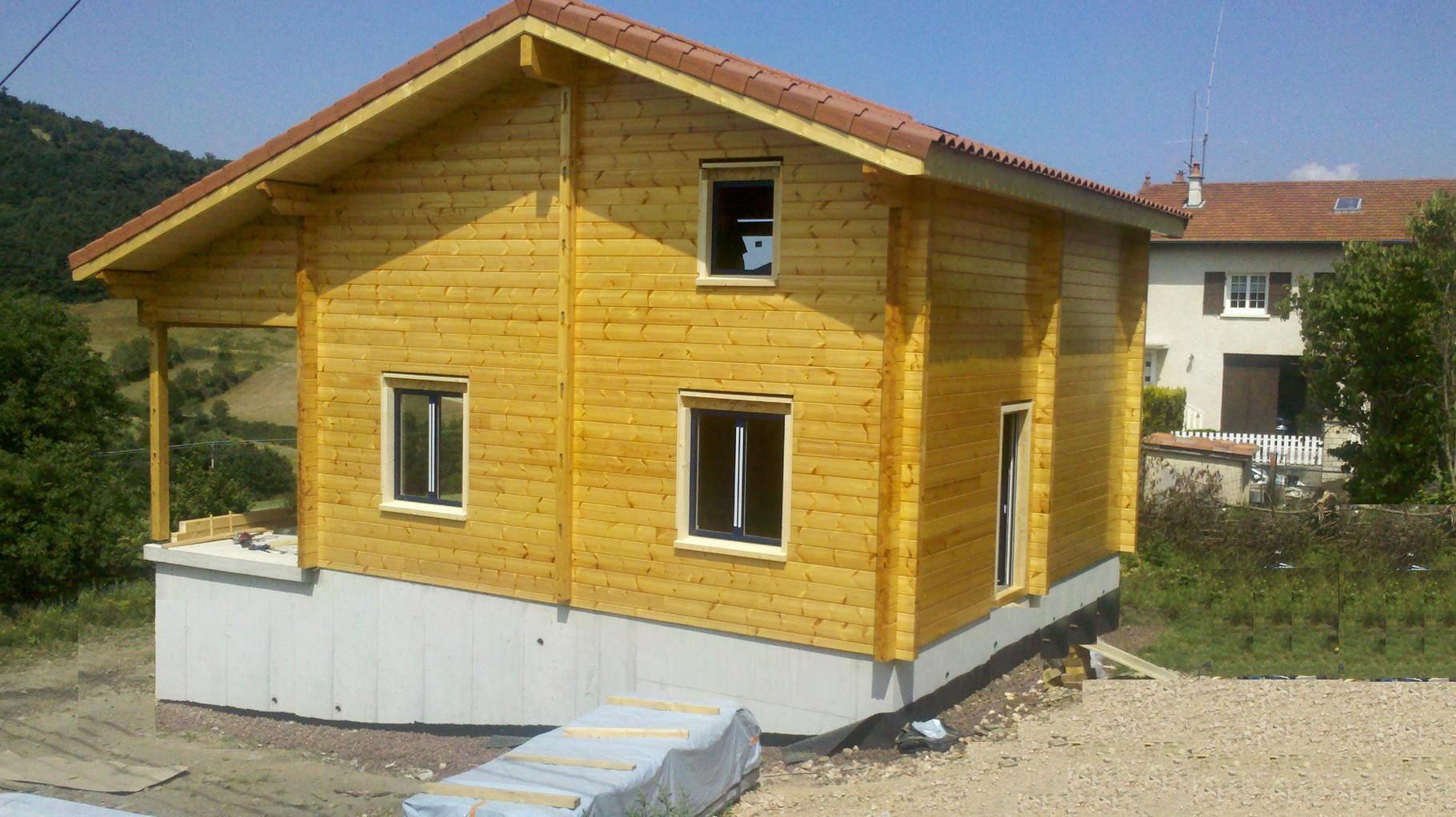Maison madrier 134x180 à LANTRIAC (43)