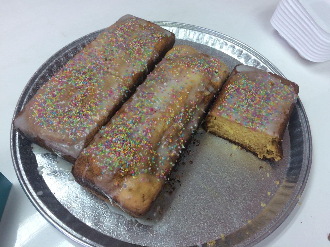 Selbstgebackener Kuchen der Schule
