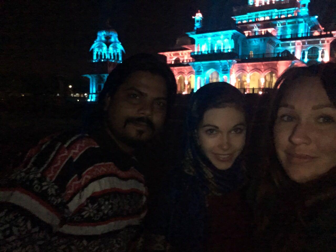 Selfi mit Raj und Jessi in Jaipur