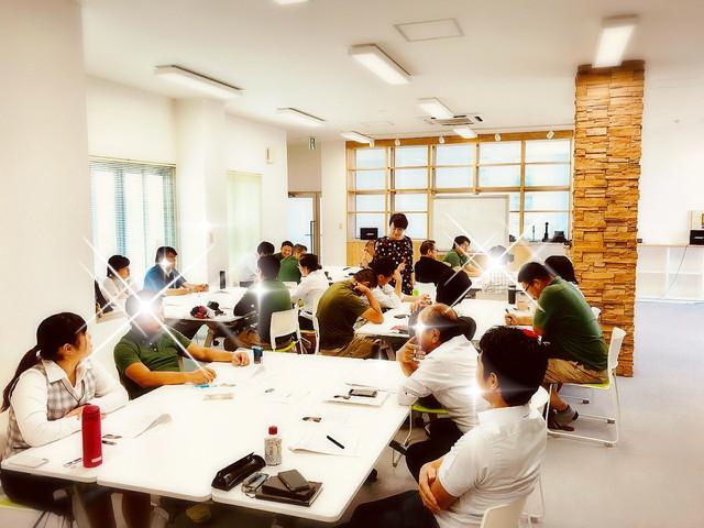 社員研修・人材育成セミナーなどの講師を派遣します。