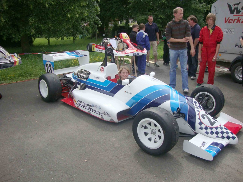 ...im Formelwagen für den Wettkampf belohnt! (Denise)