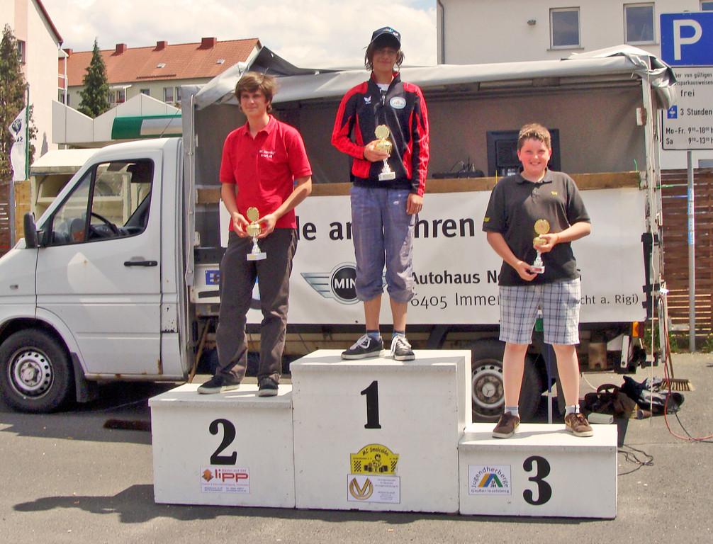 Oliver erstmals (!) auf Platz 1 im Superkart-Slalom