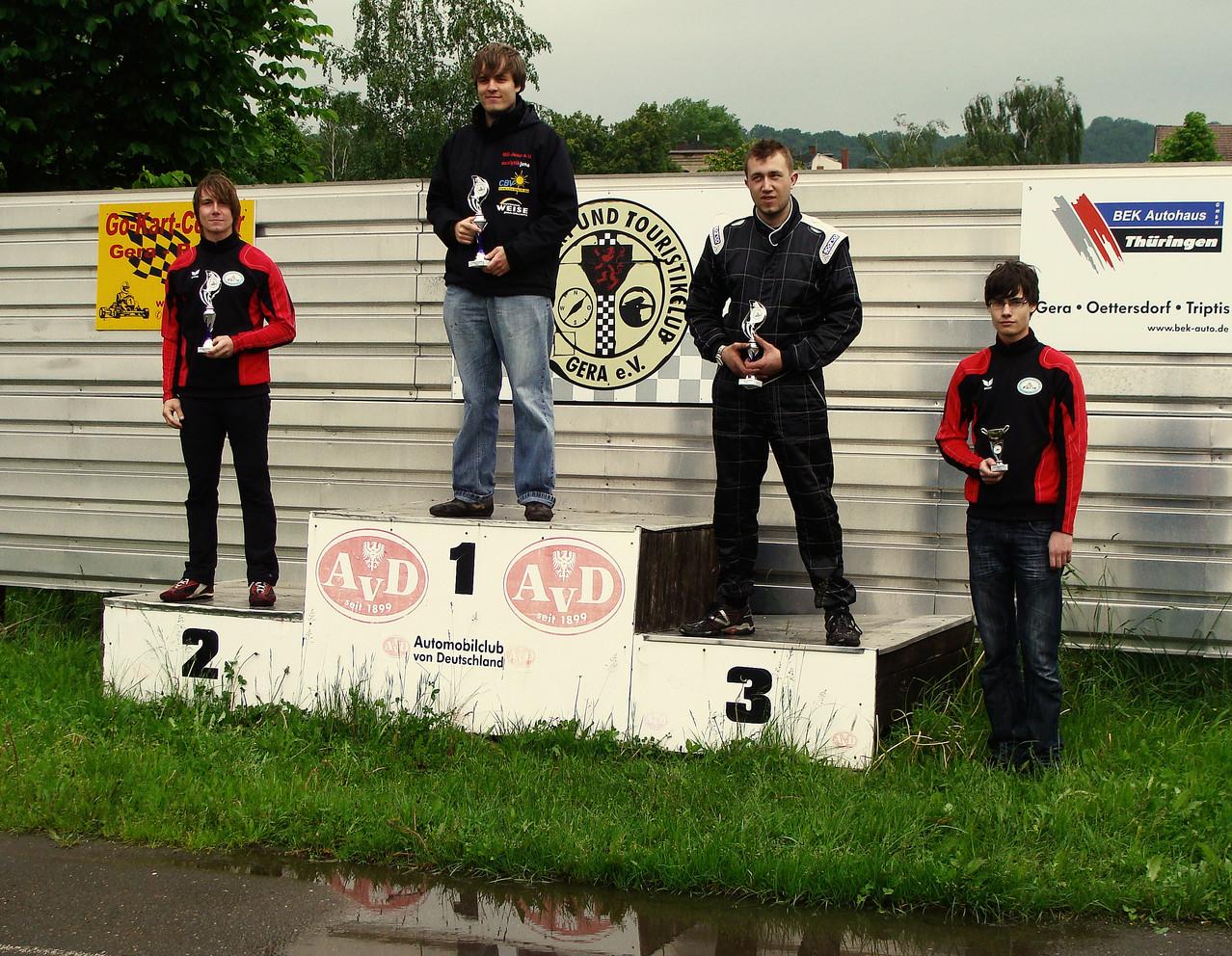 Die Siegerehrung. Oliver wird 4. (rechts im Bild); Andreas 2. in der Tageswertung.