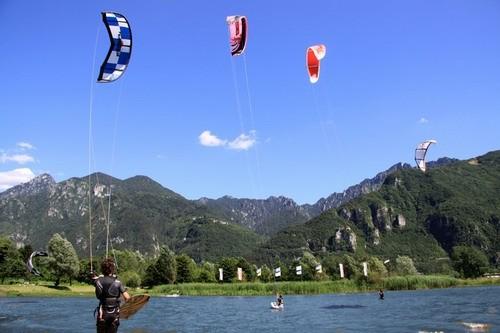 kite surf sul lago d'idro