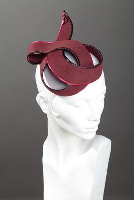 Modistin Anja Kaninck / Fascinator · Ascot headpiece / Glatthaarfilz / eveningdress · Abendmode / Pailletten / bordeauxrot rot / Schleswig Holstein