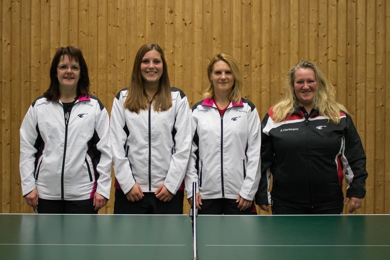 Die erste Damenmannschaft der SG 03 Mitlechtern in der Saison 15/16 v.l.n.r.: Regina Tafat, Yasmina Tafat, Anja Schuhmann und Anna Hartmann