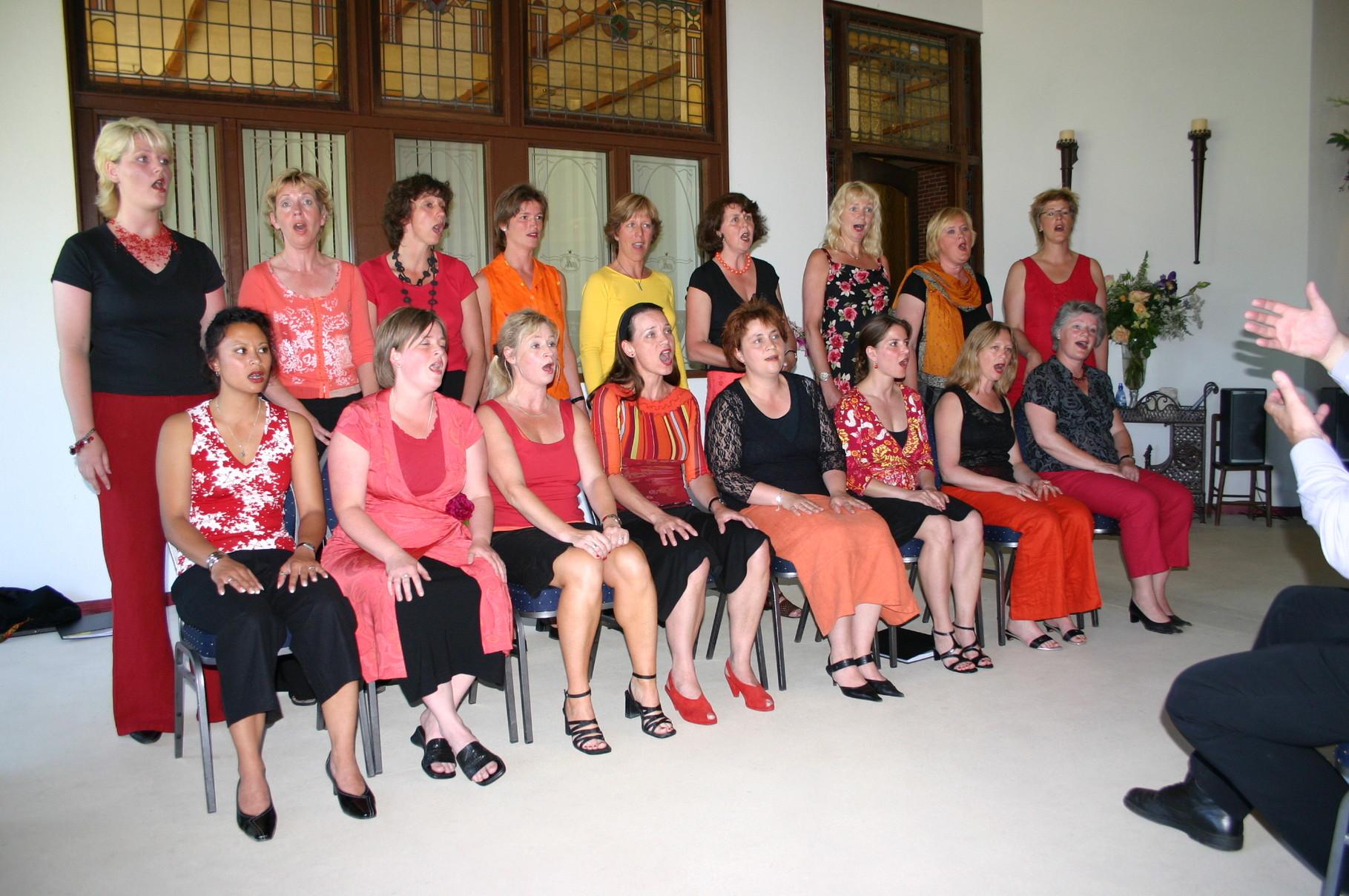 Eerste presentatie Mrs Johnson, De Vicarie, Midwolda, 19 juni 2005