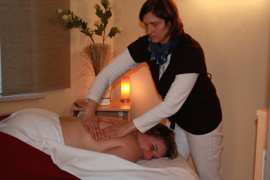 med. Massagen und Aromatherapie