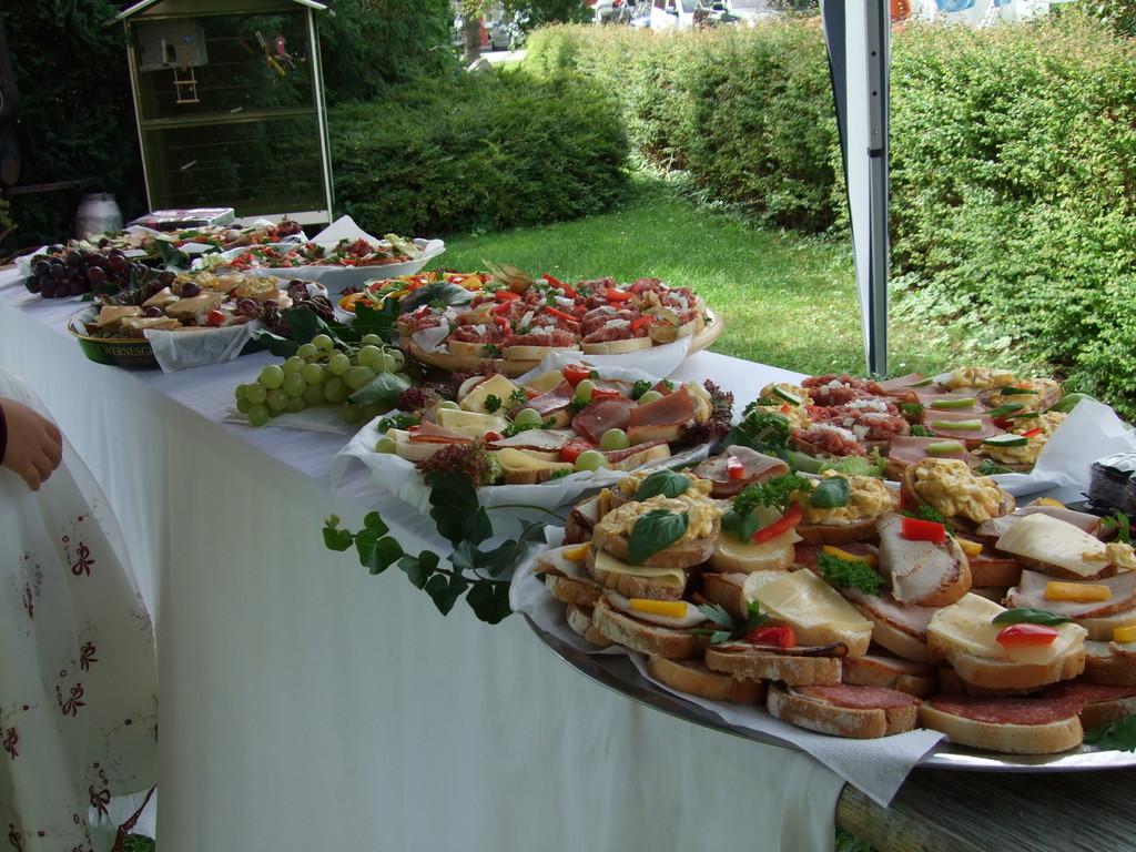 Canapees & Sektempfang im Gästehaus Siebert