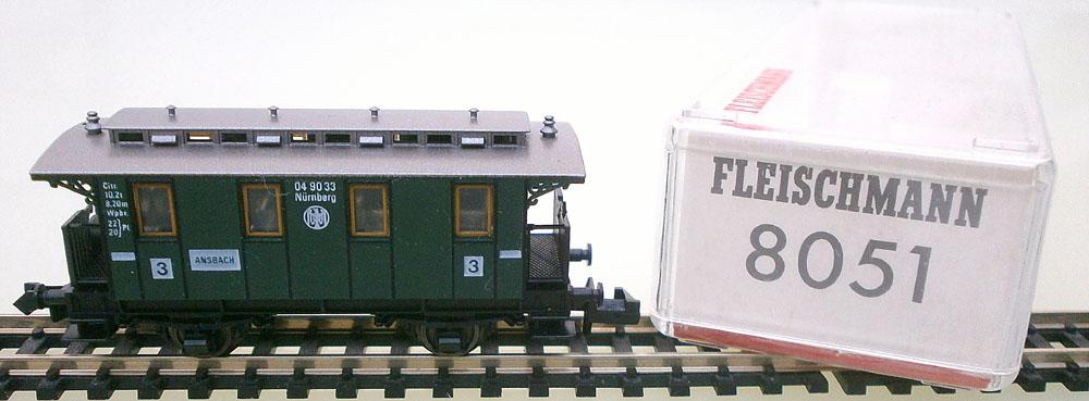 Fleischmann N 8051 Personenwagen mit Verpackung