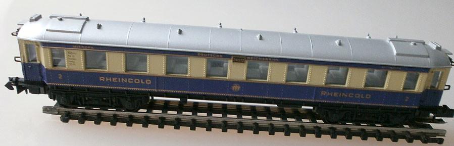 Arnold 3313 N Rheingold Schnellzugwagen, Seite