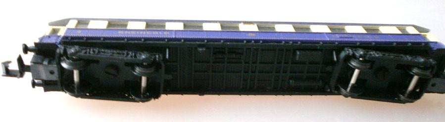 Arnold N 3313 Rheingold Schnellzugwagen, unten