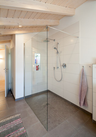 Bathrooms ins luxurious flat pack home from Stommel Haus