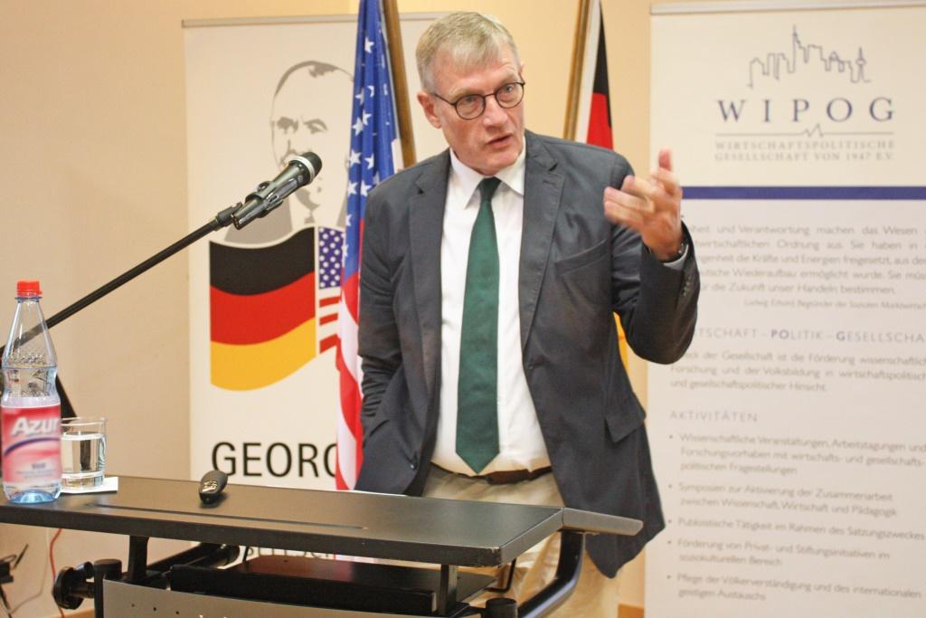 Prof. Dr. Werner Plumpe