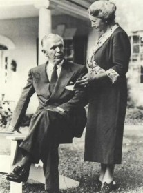George and Katherine Marshall in front of Dodona Manor, 1949. (Photo: George C. Marshall Foundation)