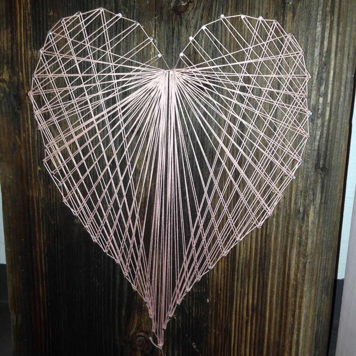 Herz Nagelbild String-Art