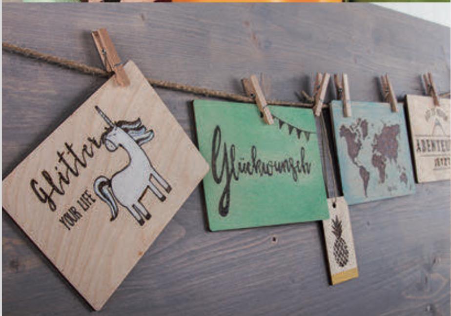 Holz-Postkarte Beispiel Rayher