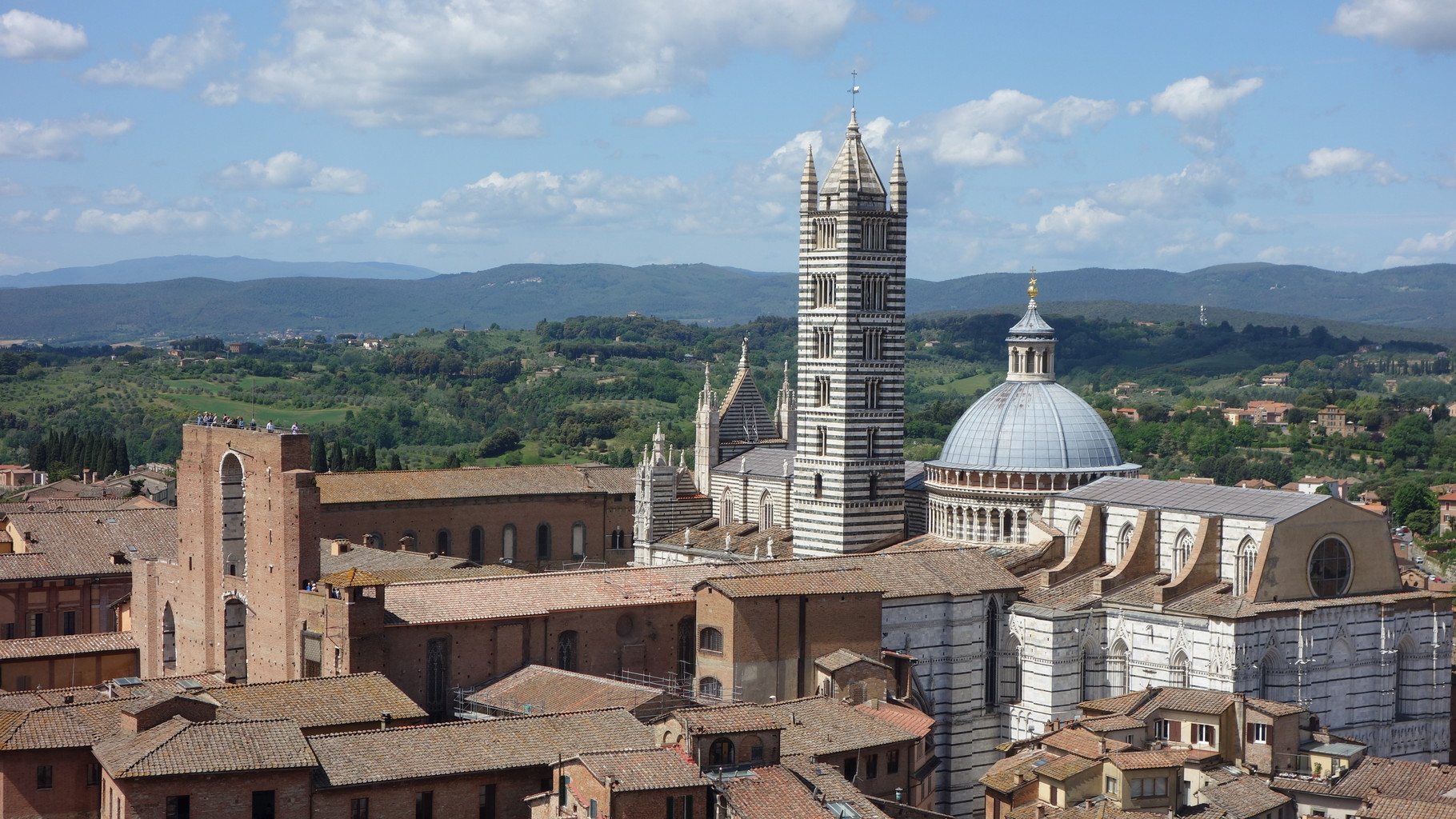 Dom von Siena, vom höchsten Turm (Torre di Mangia) aus gesehen