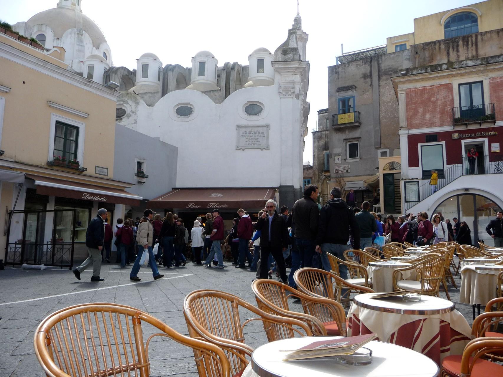 Der Café kann hier auch schon man 4.50 € kosten