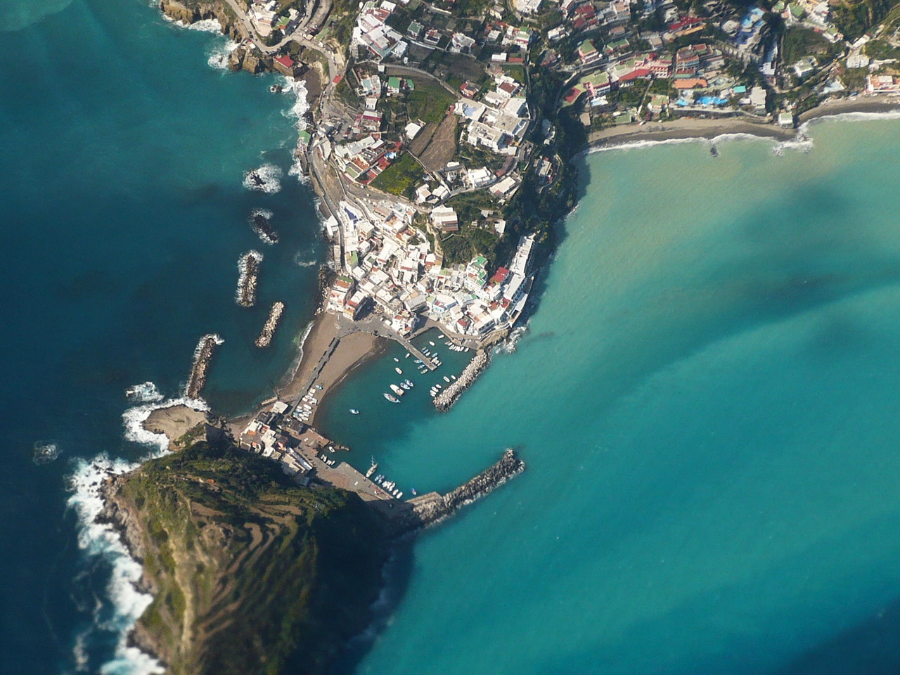 Ischia Ponte aus der Luft